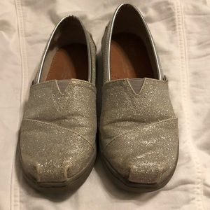 Youth Girls Toms silver glitter shoes